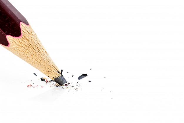 chiuda-in-su-della-matita-rotta_34011-70